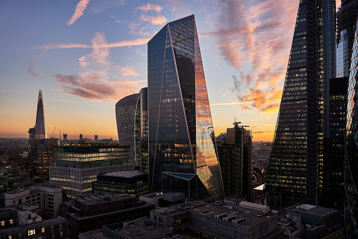 Banking「City of London financial district at sunset」:スマホ壁紙(6)