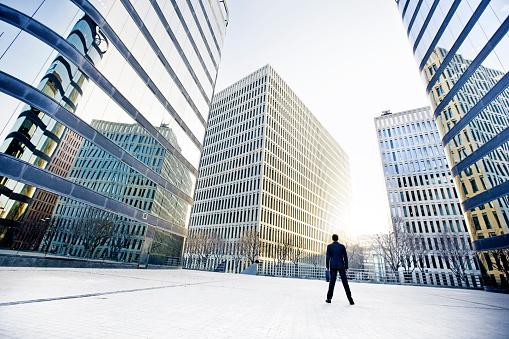 Downtown District「Businessman」:スマホ壁紙(9)