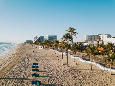 Sunrise - Fort Lauderdale「Fort Lauderdale Beach at sunrise from drone point of view」:スマホ壁紙(5)