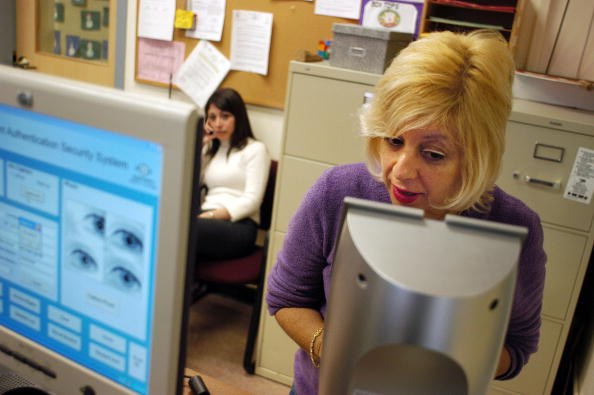 Iris - Eye「New Jersey School System Uses Iris-Recognition Technology」:写真・画像(18)[壁紙.com]