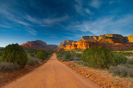 Sedona「Barren Dirt Road Sedona Arizona」:スマホ壁紙(7)