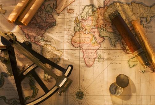 Navigational Compass「Octant, compass and telescope on nautical map」:スマホ壁紙(11)