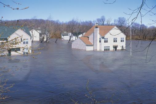 Insurance「Houses in floodwaters」:スマホ壁紙(17)