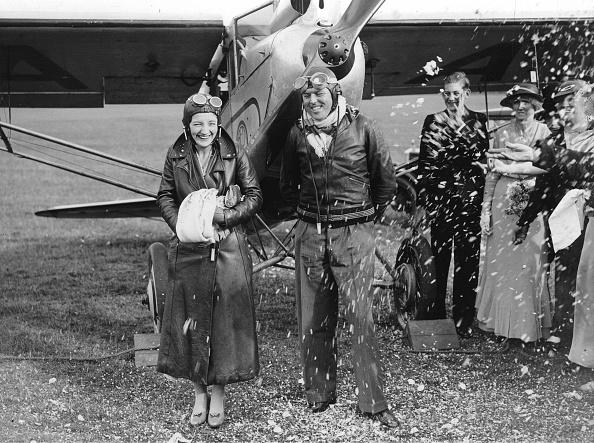 T 「Flight Pilot T. E. Wesson With His Wife」:写真・画像(9)[壁紙.com]