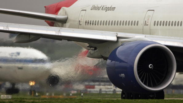 Fumes「Aviation - The Fastest Growing Source Of Greenhouse Gases」:写真・画像(3)[壁紙.com]