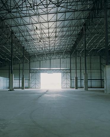 Beginnings「Empty warehouse, light shining through door」:スマホ壁紙(14)