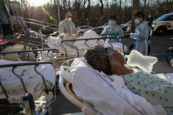Patient「Tri-State EMS Workers Confront Growing Number Of Coronavirus Cases」:写真・画像(4)[壁紙.com]