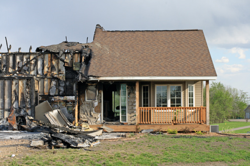 Environmental Cleanup「Front view of fire Damaged home」:スマホ壁紙(1)