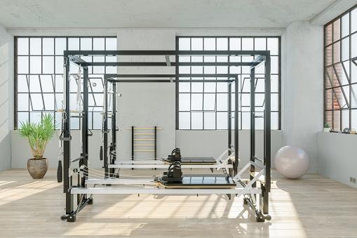 Pilates「Reformer In Gym」:スマホ壁紙(3)