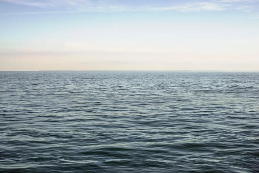 Symmetry「Calm sea」:スマホ壁紙(19)