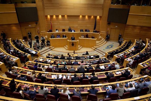 Politics「Spanish Prime Minister Mariano Rajoy Addresses Parliament Over Corruption Charges」:写真・画像(18)[壁紙.com]