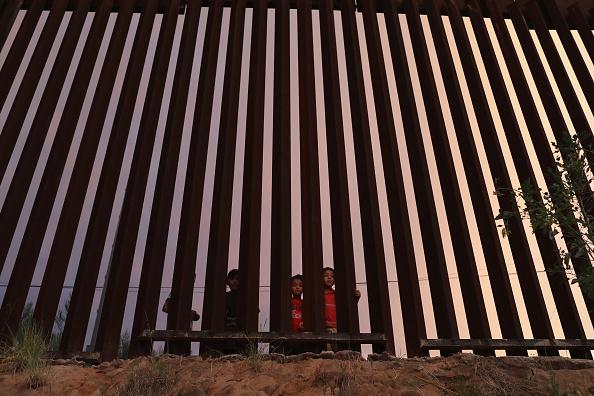 Mexico「Night Fall On US-Mexico Border」:写真・画像(5)[壁紙.com]