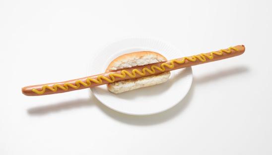 Long「Hotdog with extra long Vienna sausage」:スマホ壁紙(0)