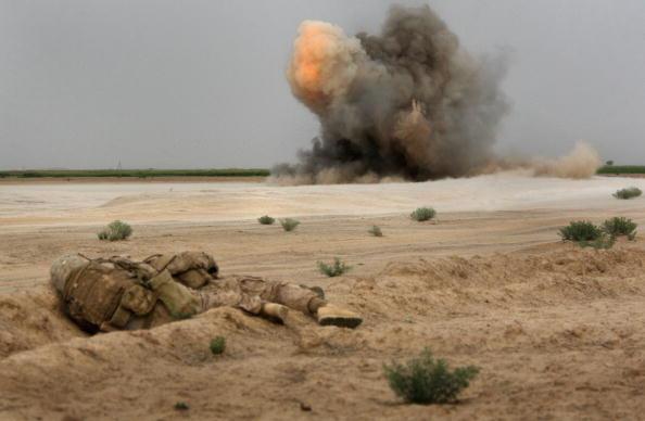 Exploding「U.S. Marines On Operations In Remote Southwest Afghanistan」:写真・画像(3)[壁紙.com]