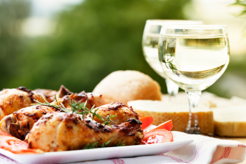 Chicken Meat「roast chicken legs and white wine at picnic」:スマホ壁紙(0)
