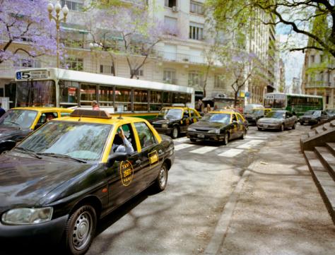 Buenos Aires「Street traffic」:スマホ壁紙(2)