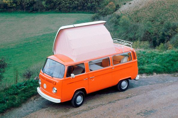 Camping「1975 Volkswagen Camper van」:写真・画像(13)[壁紙.com]