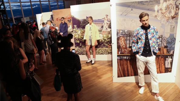 Atmosphere「Maison Kitsune - Presentation - MADE Fashion Week Spring 2015」:写真・画像(1)[壁紙.com]