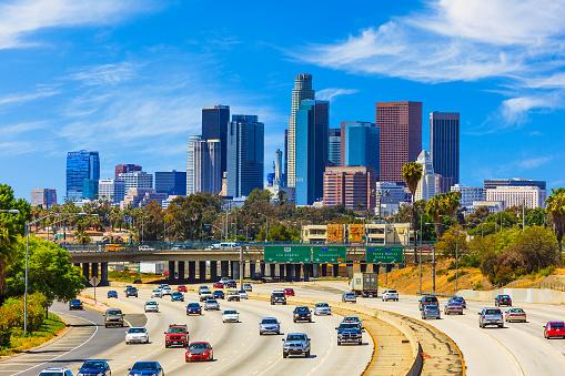 City Of Los Angeles「Skyline of Los Angeles with freeway traffic,CA」:スマホ壁紙(16)