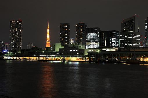 Tokyo Tower「Skyline of Chuo ward at night, Tokyo, Honshu, Japan」:スマホ壁紙(4)
