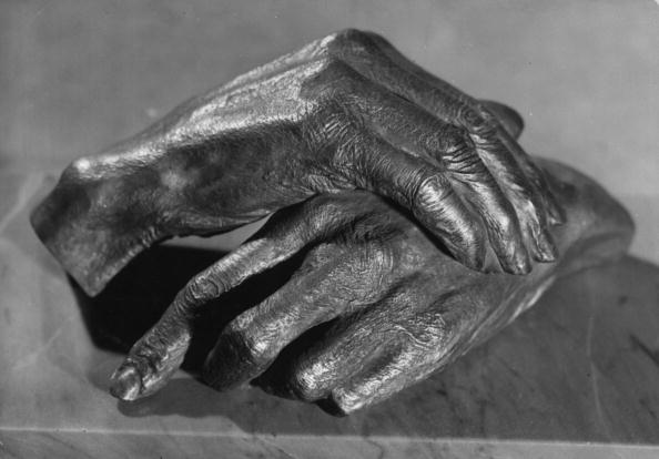 Sculpture「Cast Hands」:写真・画像(13)[壁紙.com]