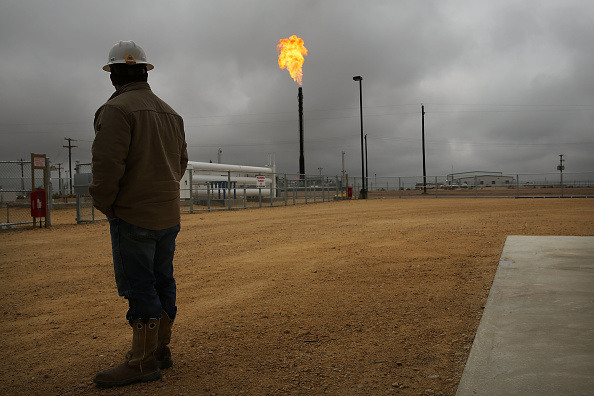 Natural Gas「Texas Oil Companies Work To Adapt To Falling Oil Prices」:写真・画像(1)[壁紙.com]