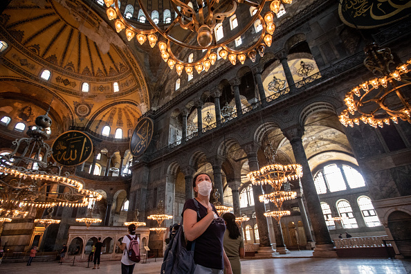 Tourism「Debate Continues Over Turkey's Hagia Sophia Status」:写真・画像(1)[壁紙.com]