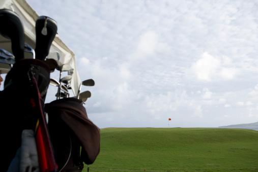 Northern Mariana Islands「Golf club in golf cart, close-up」:スマホ壁紙(10)