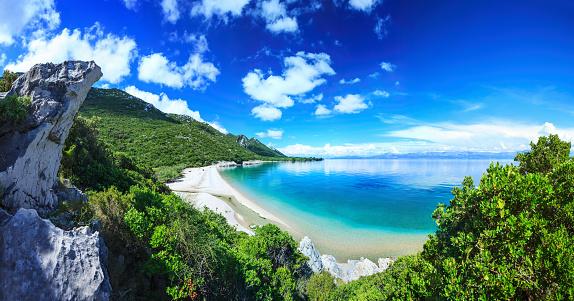 Lagoon「Beach, crystal clear water in Adriatic Sea and Green Mountains」:スマホ壁紙(12)