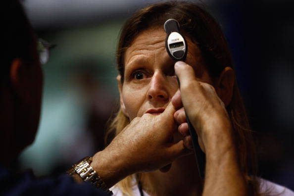 John Moore「Thousands Receive Free Medical Treatment At The Forum In Los Angeles」:写真・画像(17)[壁紙.com]