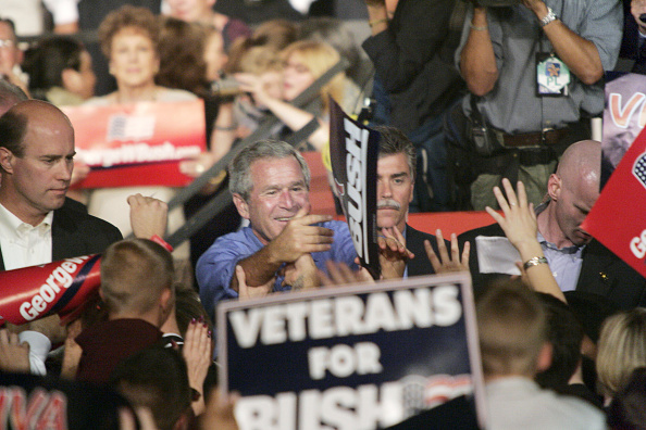 Rick Scibelli「President Bush Speaks At A Rally In Albuquerque」:写真・画像(9)[壁紙.com]
