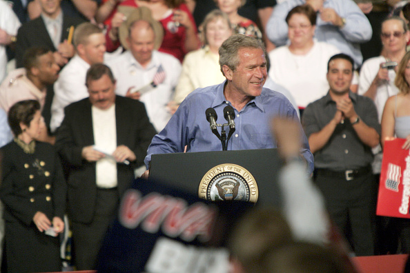 Rick Scibelli「President Bush Speaks At A Rally In Albuquerque」:写真・画像(8)[壁紙.com]