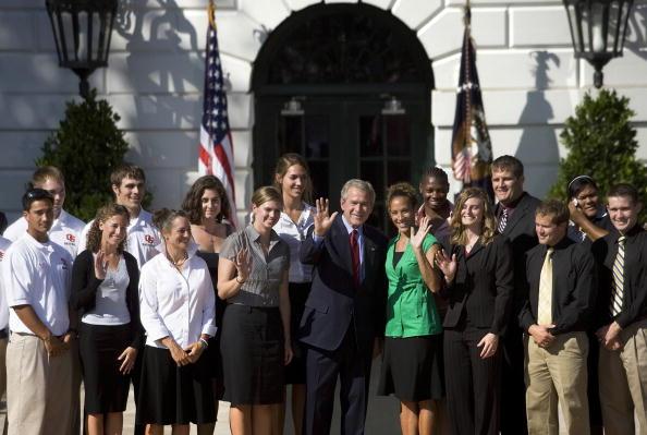 Oregon - US State「Bush meet with 2006 and 2007 NCAA champions」:写真・画像(5)[壁紙.com]