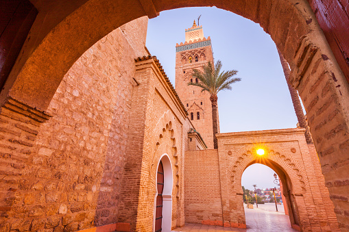 Stone Wall「Low angle view of Koutoubia Mosque in Marrakesh, Morocco」:スマホ壁紙(17)