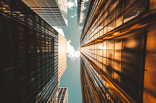 Below「low angle view of the skyscrapers in nyc」:スマホ壁紙(9)