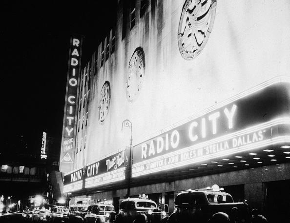 Radio City Music Hall「Up In Lights」:写真・画像(1)[壁紙.com]
