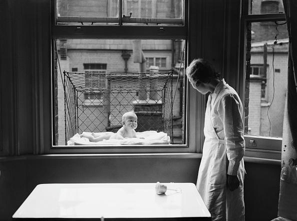 Hanging「Cage Baby」:写真・画像(11)[壁紙.com]