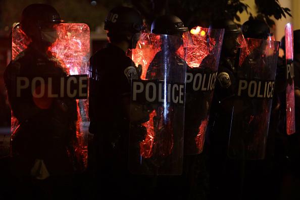 Effort「Protesters Demonstrate In D.C. Against Death Of George Floyd By Police Officer In Minneapolis」:写真・画像(6)[壁紙.com]