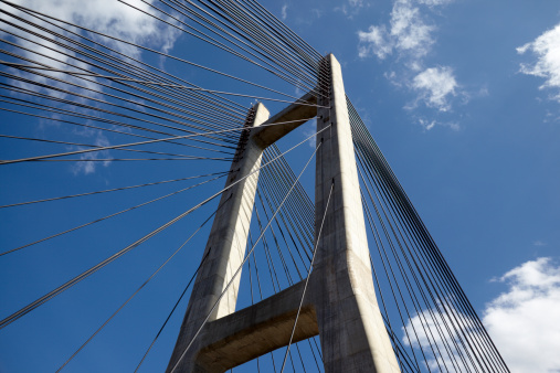 Postmodern「Concrete Suspension bridge tower and steel cables」:スマホ壁紙(3)