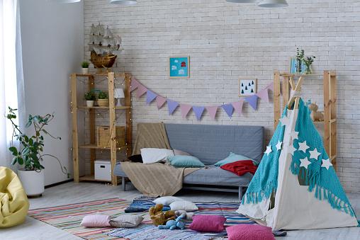 Bedroom「Nursery with mess」:スマホ壁紙(17)