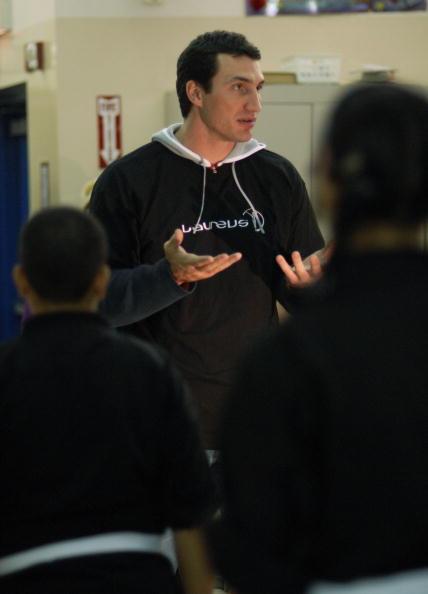 Borough - District Type「Klitschko Visits Fight Back! Program In The Bronx」:写真・画像(13)[壁紙.com]