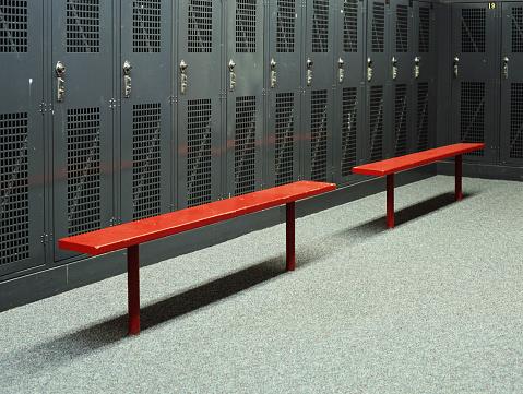 Locker「Benches in Empty Locker Room」:スマホ壁紙(17)
