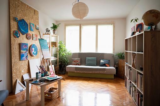 Inexpensive「The artist's room」:スマホ壁紙(1)