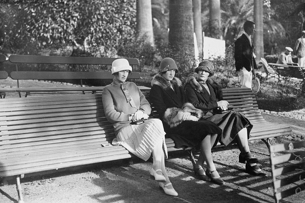 Bench「Park Sitters」:写真・画像(5)[壁紙.com]