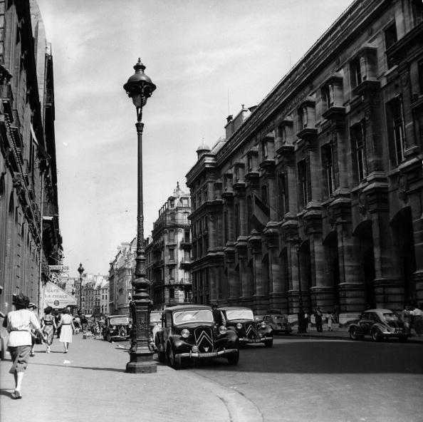 Street Light「Paris GPO」:写真・画像(6)[壁紙.com]