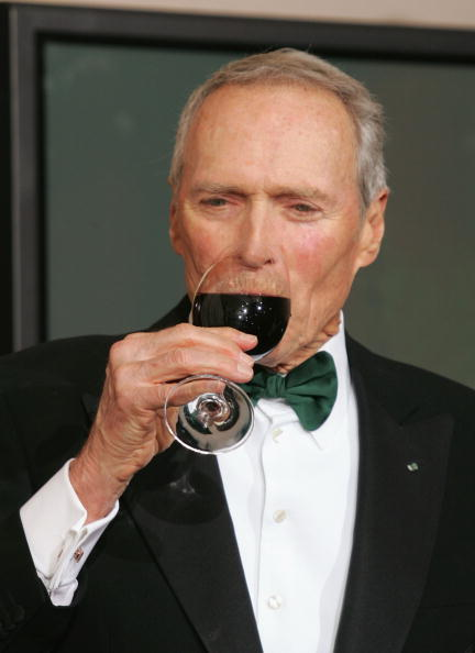 Wineglass「The 77th Annual Academy Awards - Photo Room」:写真・画像(12)[壁紙.com]