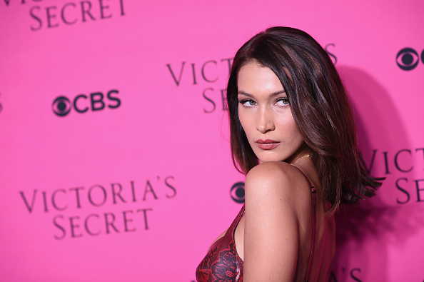 Bella Hadid「Victoria's Secret Angels Gather To Watch The 2017 Victoria's Secret Fashion Show」:写真・画像(12)[壁紙.com]