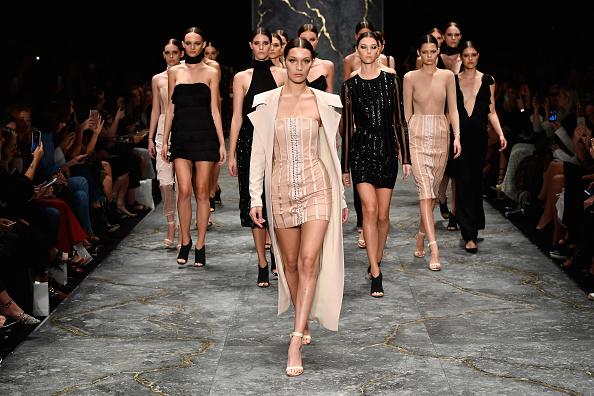 Australian Fashion Week「Misha Collection - Runway - Mercedes-Benz Fashion Week Australia 2016」:写真・画像(19)[壁紙.com]