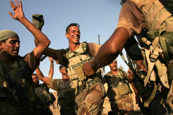 アジアカップ「Iraqi Special Forces Celebrate Asian Cup Soccer Win」:写真・画像(14)[壁紙.com]
