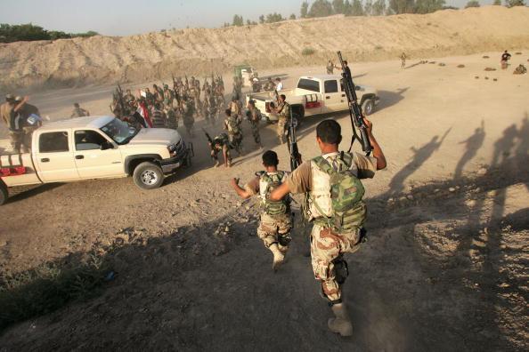 アジアカップ「Iraqi Special Forces Celebrate Asian Cup Soccer Win」:写真・画像(1)[壁紙.com]